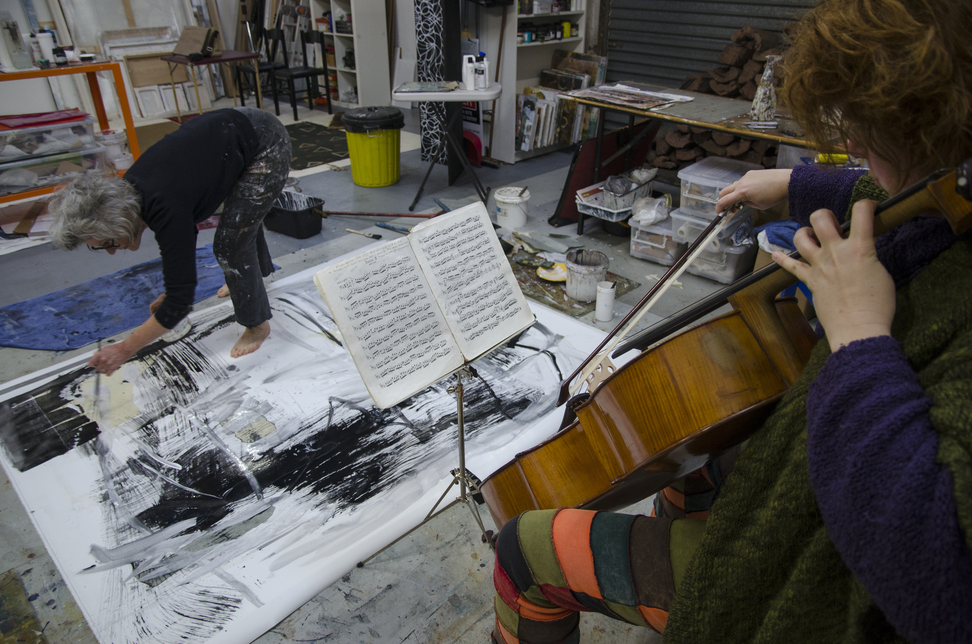 Judith White painting to Rachel Scott playing J.S.Bach's Prelude No2 in Dm for Cello